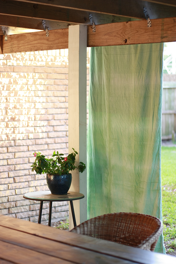 DIY patio curtains made with Fabric Dye