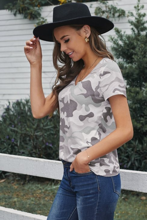 Agnes Women Camouflage Print Short Sleeve Tee Gray