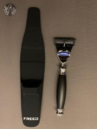 刮鬍刀及保護套