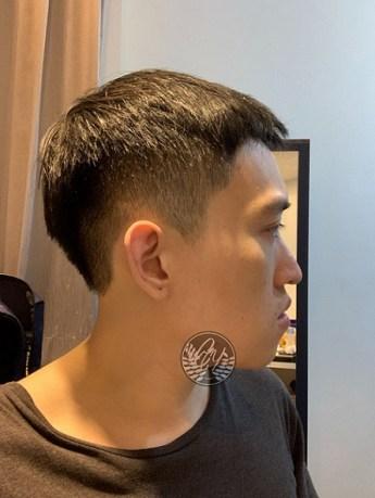 剪髮後側面
