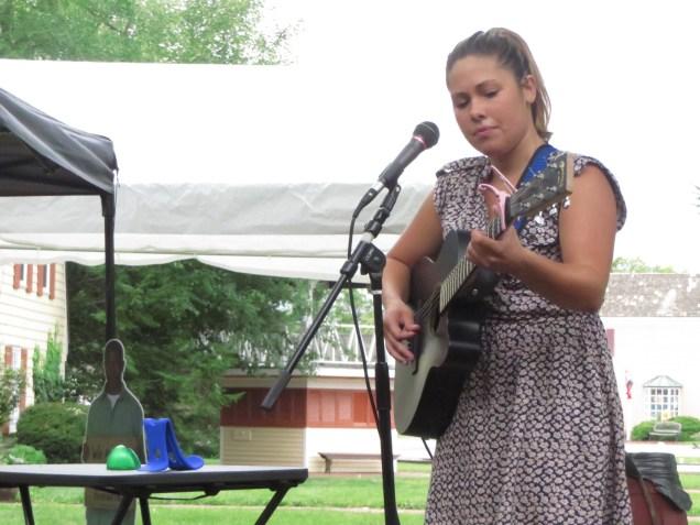 Singer Darrien Rich