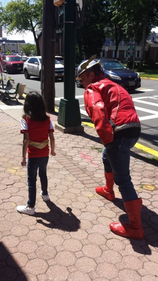 little Wonder Woman and the Flash racing
