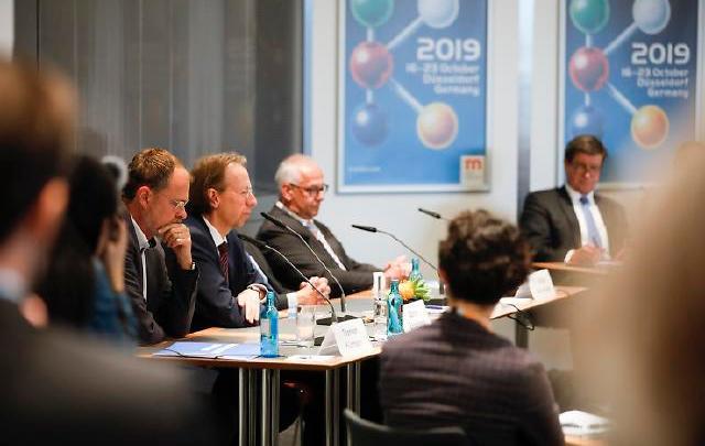 Photo of Alemania consolida su liderazgo tecnológico y China lo hace en maquinaria para plásticos