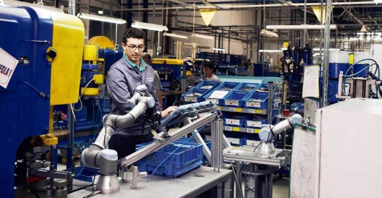 Photo of Conoce las ventajas de instalar un robot colaborativo