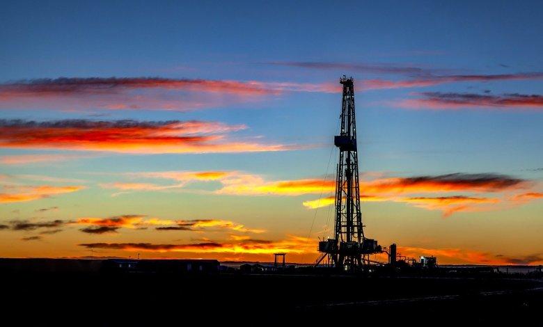 Photo of Histórico lunes negro para el petróleo estadounidense
