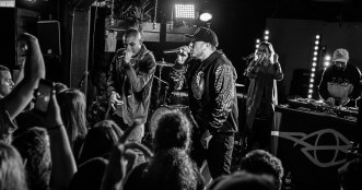 Bliss N Eso perform live in Auckland, New Zealand 2017. Image by Mike Thornton.
