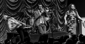 Postmodern Jukebox performing live in Auckland, New Zealand, 2017. Image by LeVic Visuals.