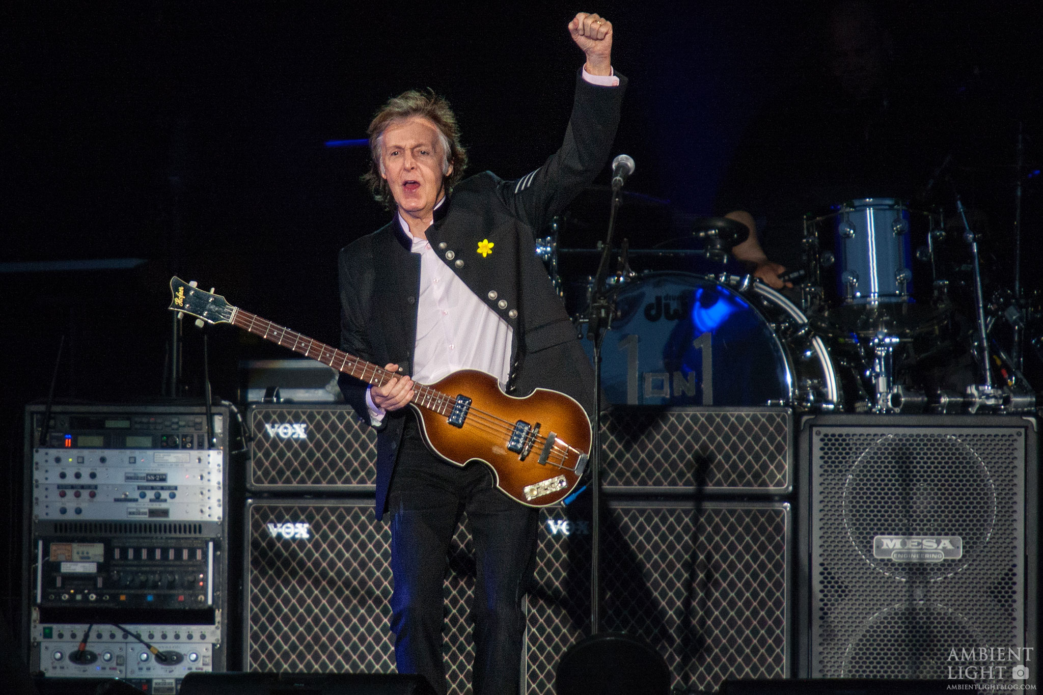 Paul McCartney Performing Live In Auckland New Zealand 2017 Image By Doug Peters