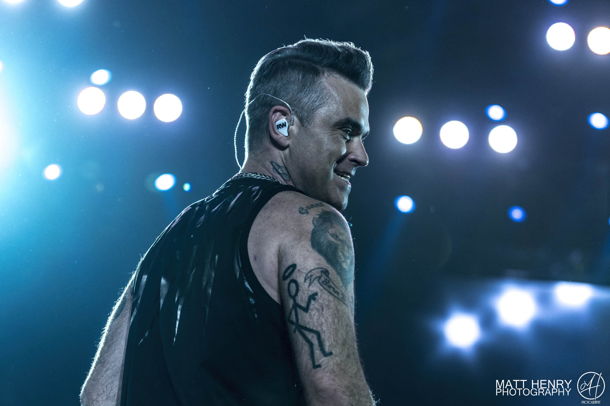 https://i2.wp.com/www.ambientlightblog.com/wp-content/uploads/2018/02/RobbieWilliams_013.jpg