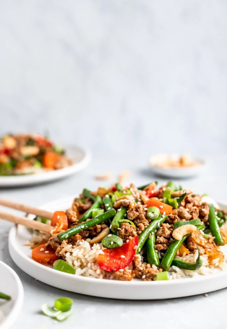 paleo chicken green bean stir fry on a plate