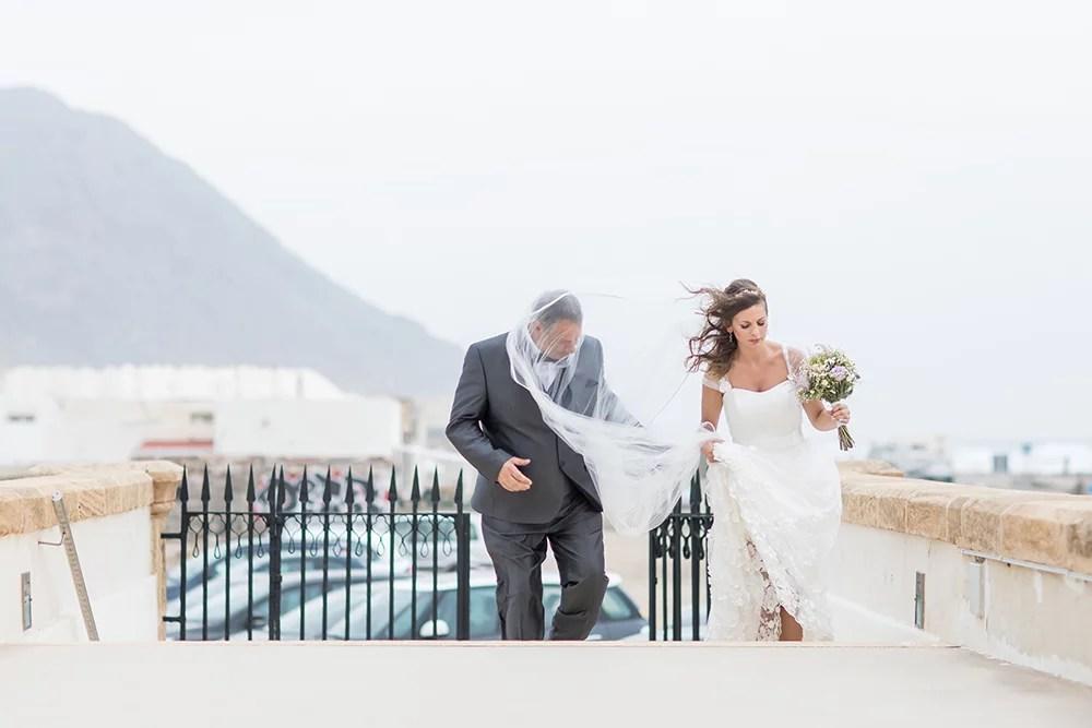 Heiraten am Strand, Einzug der Braut