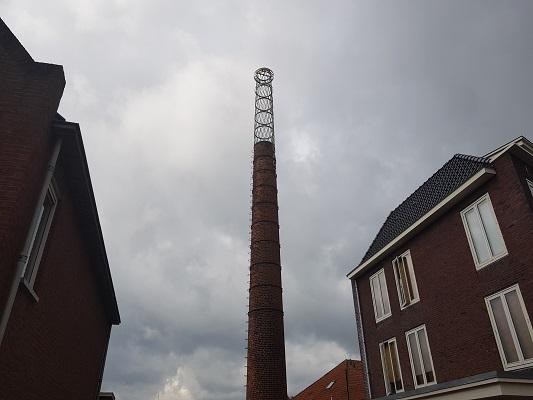 Fabriek Nooitgedagt IJlst tijdens een wandeling over het ELfstedenpad van IJlst naar Balk