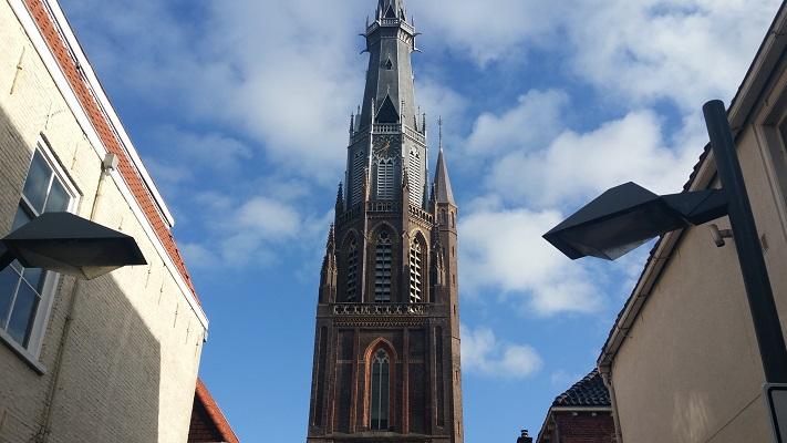 onifatiusker Leeuwarden op wandeling over Elfstedenpad van Oentsjerk naar Leeuwarden