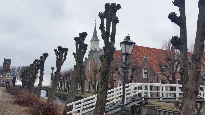 Stadje Sloten op wandeling over het Elfstedenpad van Oudemirdum naar Sloten