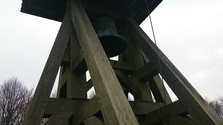 Wandelen over het Groot Frieslandpad bij Klokkestoel in Oud Beets