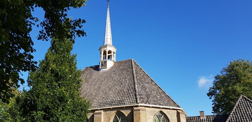 Kerk Bommel op een wandeling over het Maaspadvan Stad aan 't Haringvliet naar Willemstad