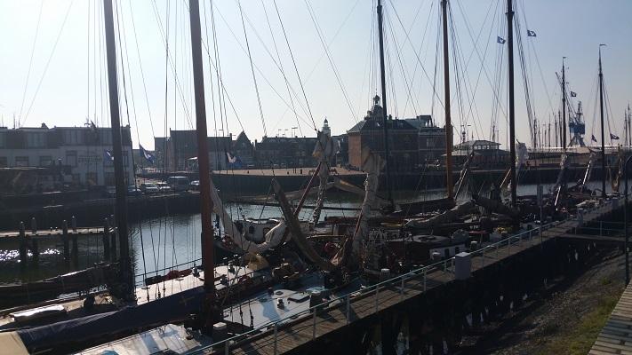 Haven Harlingen op een wandeling over het Nederlands Kustpad van Franeker naar Harlingen