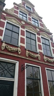 Monumentaal pand Franeker op een wandeling over het Nederlands Kustpad van Franeker naar Harlingen