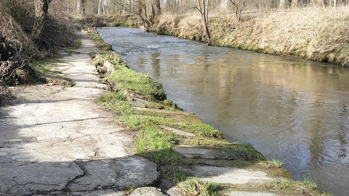 Wandelen over het Peerkepad in de voetsporen van Peerke Donders bij de Geul
