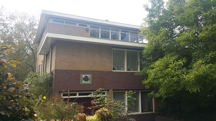 Woning ontworpen door Rietveld tijdens Gerrit Rietveld wandelroute in Utrecht