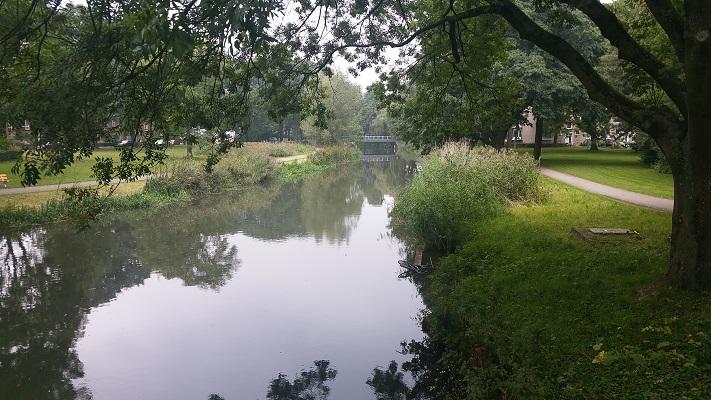 Oude Rijn tijdens Gerrit Rietveld wandelroute in Utrecht