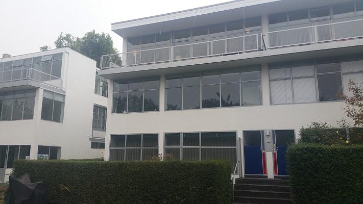 Flats ontworpen door Gerrit Rietveld tijdens Gerrit Rietveld wandelroute in Utrecht