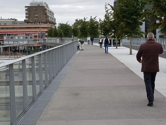 Wandelen over het Romeinse Limespad bij Voetgangers-/fietsbrug Station Utrecht