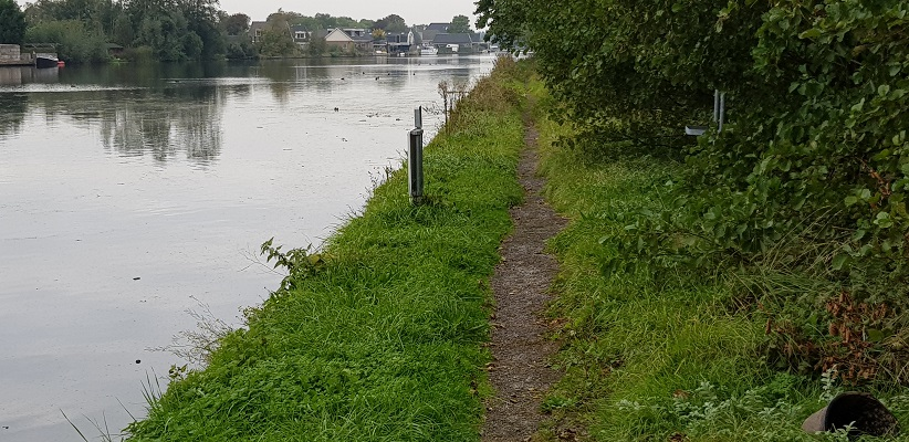 Wandelen over het Romeinse Limespad op pad langs Oude RIjn naar Alphen aan de Rijn
