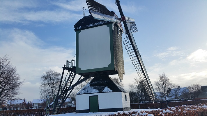 Jettens molen aan de Aalstweg tijdens een wandeling langs monumenten in Uden in Noord-Brabant