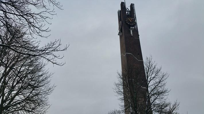Kerk tijdens een wandeling langs monumenten in Uden in Noord-Brabant