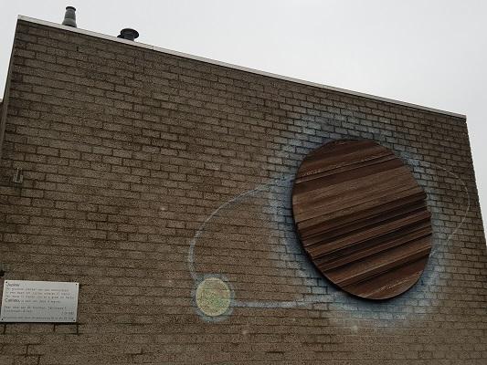 Kunstwerk Jupiter met maan Callisto in Helmond-Noord tijdens een wandeling Ontdek de Kunst van Brabant Vertelt