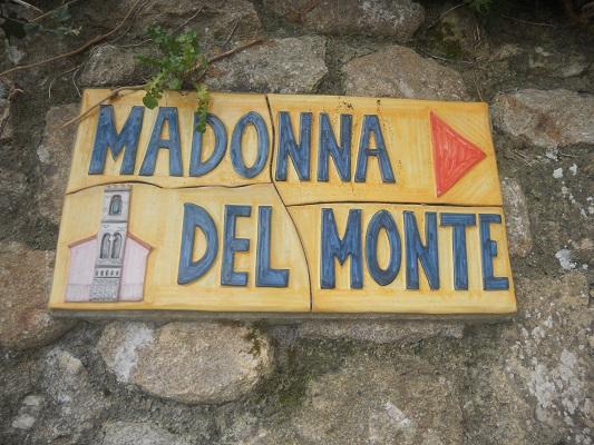 Madonna del Monte Kruisweg naar Madonna del Monte op wandelreis naar Italiaans eiland Elba