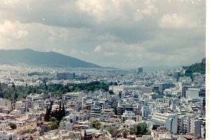 Zicht over Athene tijdens wandelreis in Griekenland