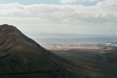 Noordkust biji Mancha Blanca tijdens een wandelvakantie op Canarisch Eiland Lanzarote