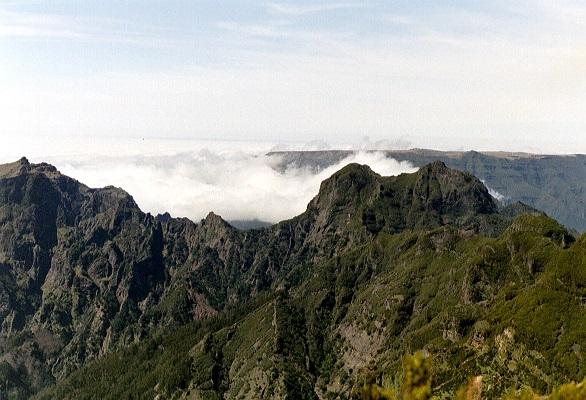 Pico Ruivo en Pico Areiro op wandelvakantie op Portugees eiland bloemeneiland Madeira