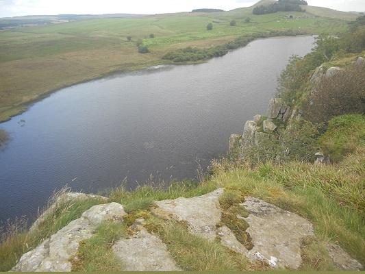 Greenlee Lough op een wandeling van Chollerford naar Once Brewed op wandelreis over Muur van Hadrianus in Engeland