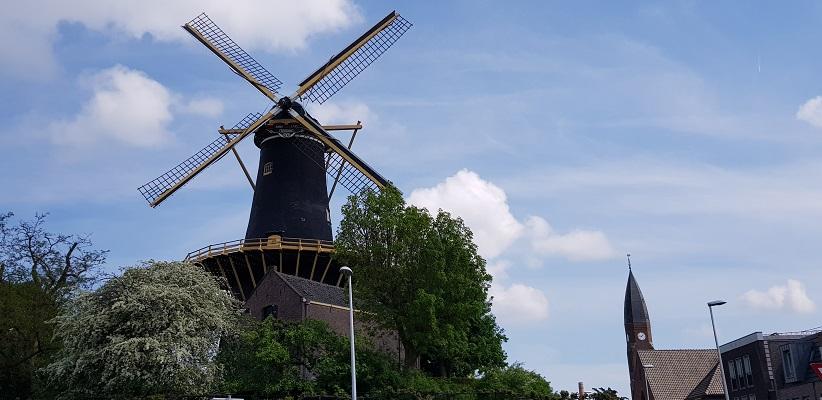 Wandelen over het Romeinse Limespad van Driebruggen naar Woerden bij molen de Windhond