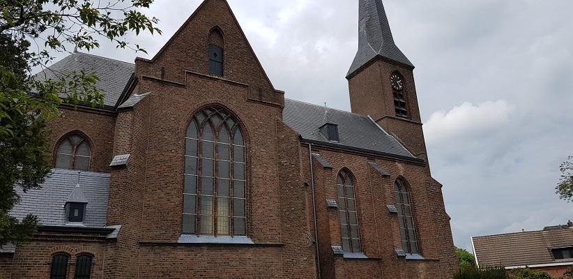 Wandeling over het Achterhoekpad van Westendorp naar boekenstadje Bredevoort bij Sint Georgiuskerk