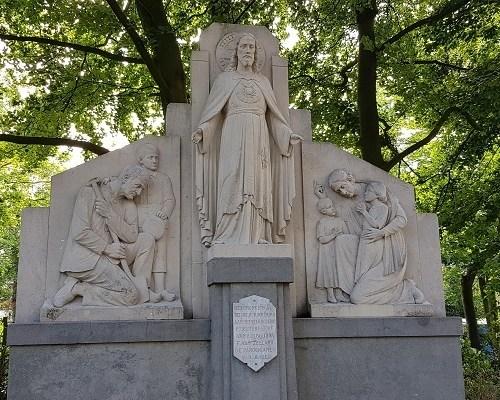 Historische wandeling Heemkunde Bakel bij Heilig Hartbeeld