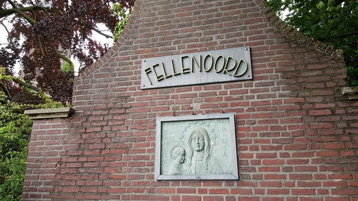 Wandeling over het Woenselpad van Gegarandeerd Onregelmatig buiten de binnenstad van Eindhoven bij kloostergebouw Fellenoord