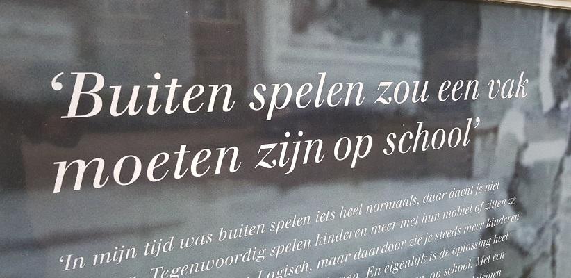 Wandelen buiten de binnenstad van Amsterdam van Gegarandeerd Onregelmatig bij geboortehuis van Johan Cruyff