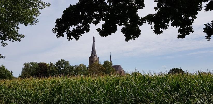 IVN-wandeling Liekendonk in Heeswijk-Dinther bij de Sint Servatiuskerk
