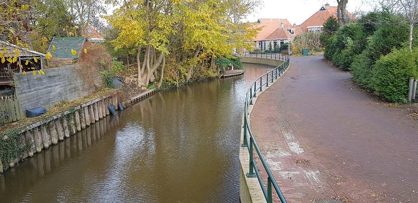 Wandeling over het Elfstedenpad van Witmarsum naar Allingawier in Witmarsum