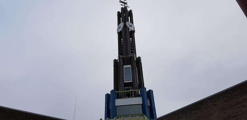 Wandeling over het Pionierspad bij Zeewolde bij de kerk in Zeewolde