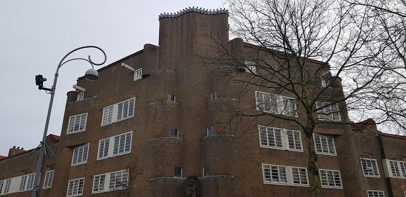 Wandeling ten westen van de Amstel in Amsterdam bij de Leeszaal in de Pijp