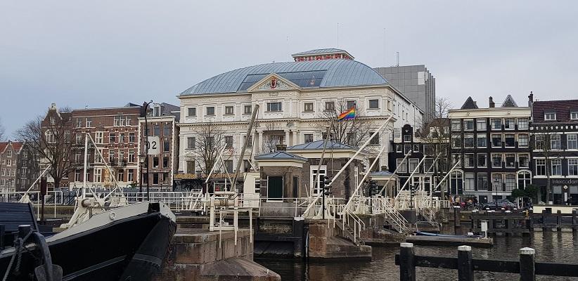 Wandeling ten westen van de Amstel in Amsterdam bij Carré aan de Amstel