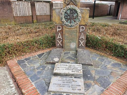 Wandeling bij Lierop over onderduikersroute bij het monument van Frank Doucette