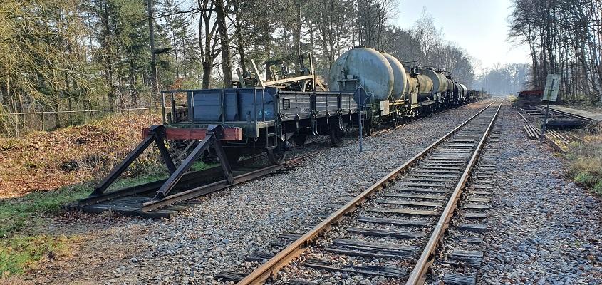 Wandeling over Trage Tocht Loenen bij station Loenen