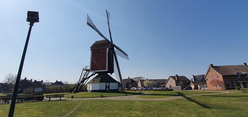 Wandeling Graancirkel in Oploo bij molen de Korenbloem