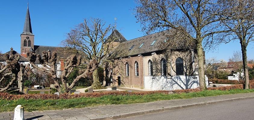 Wandeling in Ommetje Appeltern bij voormalige protestantse kerk